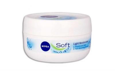 Nivea Soft Light Moisturiser 100ml